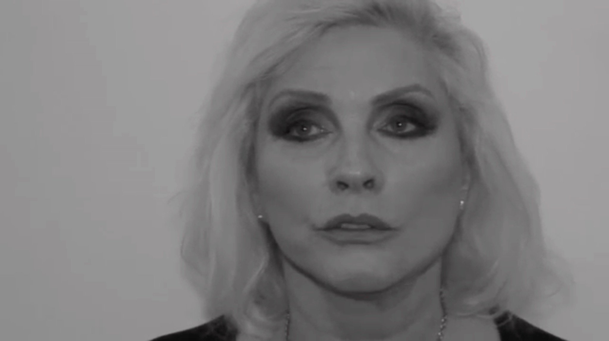 Debbie Harry Amp Others Share David Bowie Anecdotes In