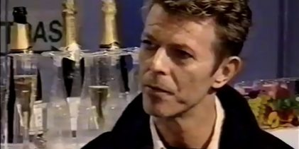 David Bowie – Backstage Interview (MTV Europe Music Awards, 1995)