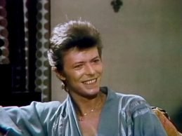 David Bowie – The Flo & Eddie Interview,  Plaza Hotel, NYC, 90 Minutes Live (1977)