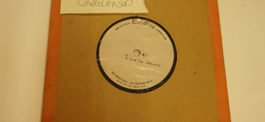 Rare David Bowie Acetate of 'I Live In Dreams' up for auction on Oct 16th, listen to an exclusive clip!